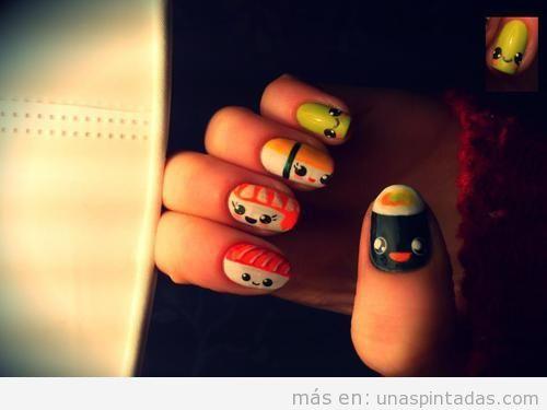 Uñas decoradas con dibujos de sushi