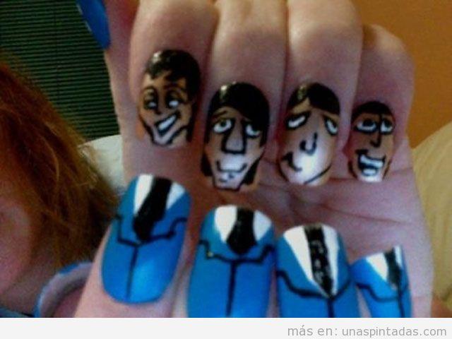 Uñas pintadas o Nail Art originales con la figura de un ejecutivo