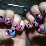 Uñas geométricas: decoraciones con figuras bonitas y llenas de color