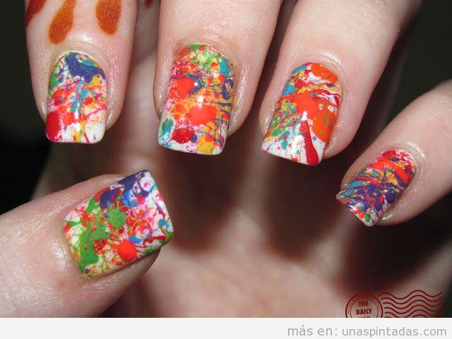 Diseño de uñas con salpicadura de esmalte, action painting