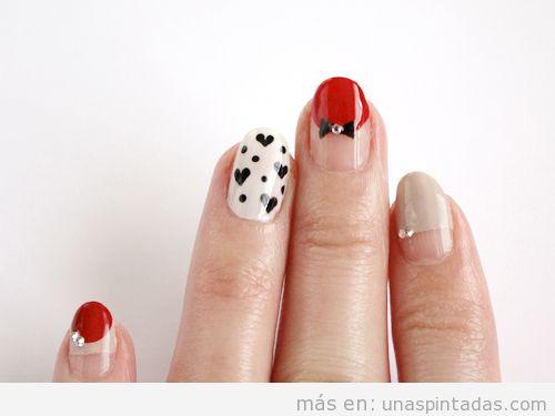 Diseño de uñas de amor, lazos y corazones