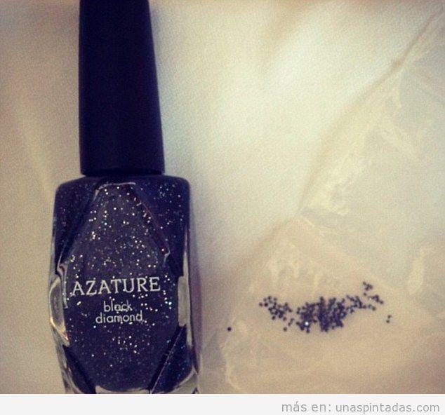 Esmalte de uñas caro de diamantes negros