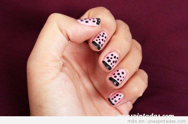 Uñas pintadas fácil con manicura francesa y topos