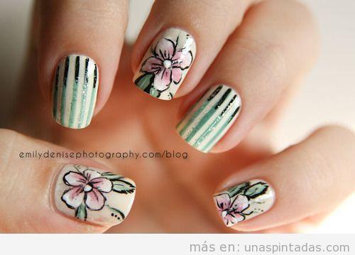 Diseño de uñas con dibujos de flores vintage