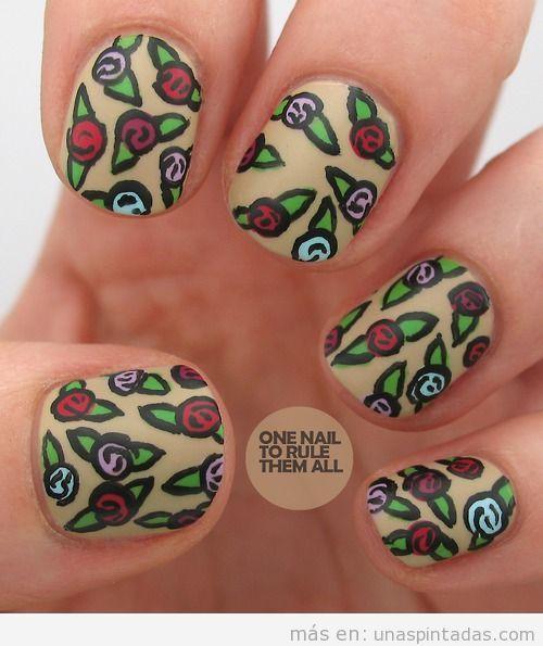 Diseño de uñas con dibujo de flores y rosas vintage