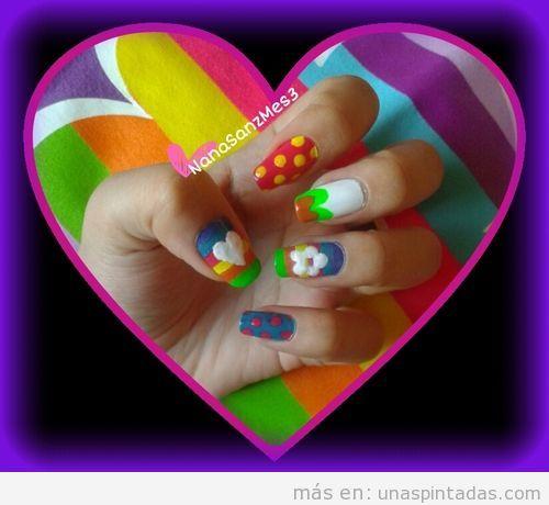 Diseño de uñas inspirado en los diseños de AAgatha Ruiz de la Parada