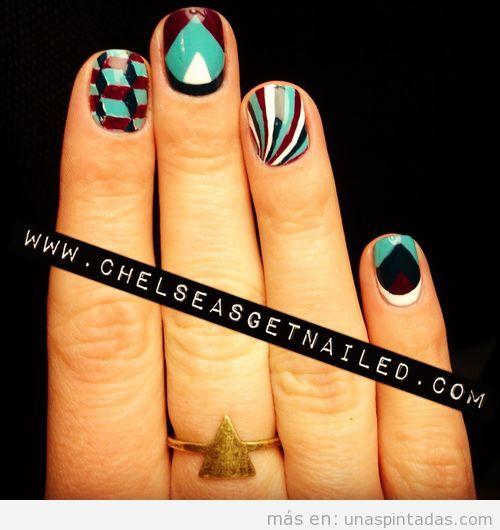 Decoración de uñas en color block con motivos geométricos