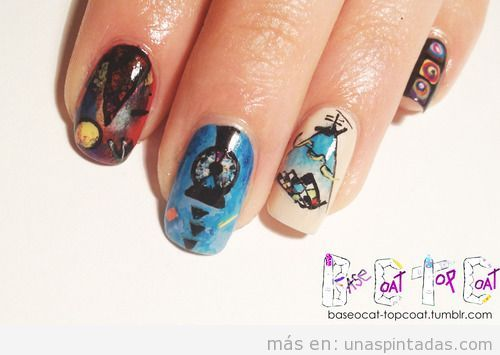 Diseño de uñas con dibujos de las pinturas de Kandinsky