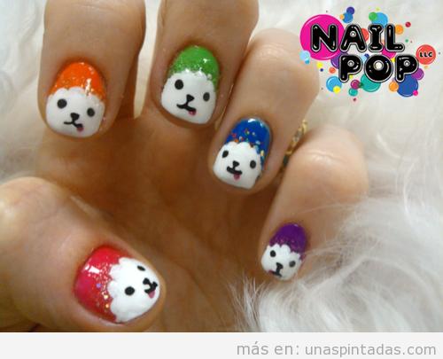 Decoración de uñas con un dibujo de un perro, raza bichón maltés