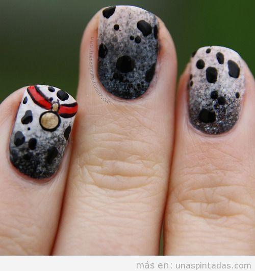 Decoración de uñas con el pelaje de un perro dálmata
