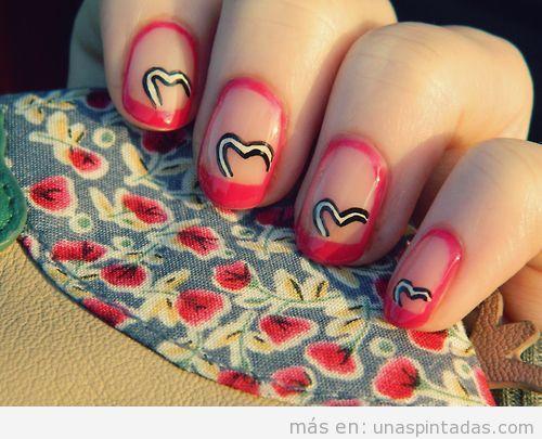 Diseño de uñas sencillas San Valentín