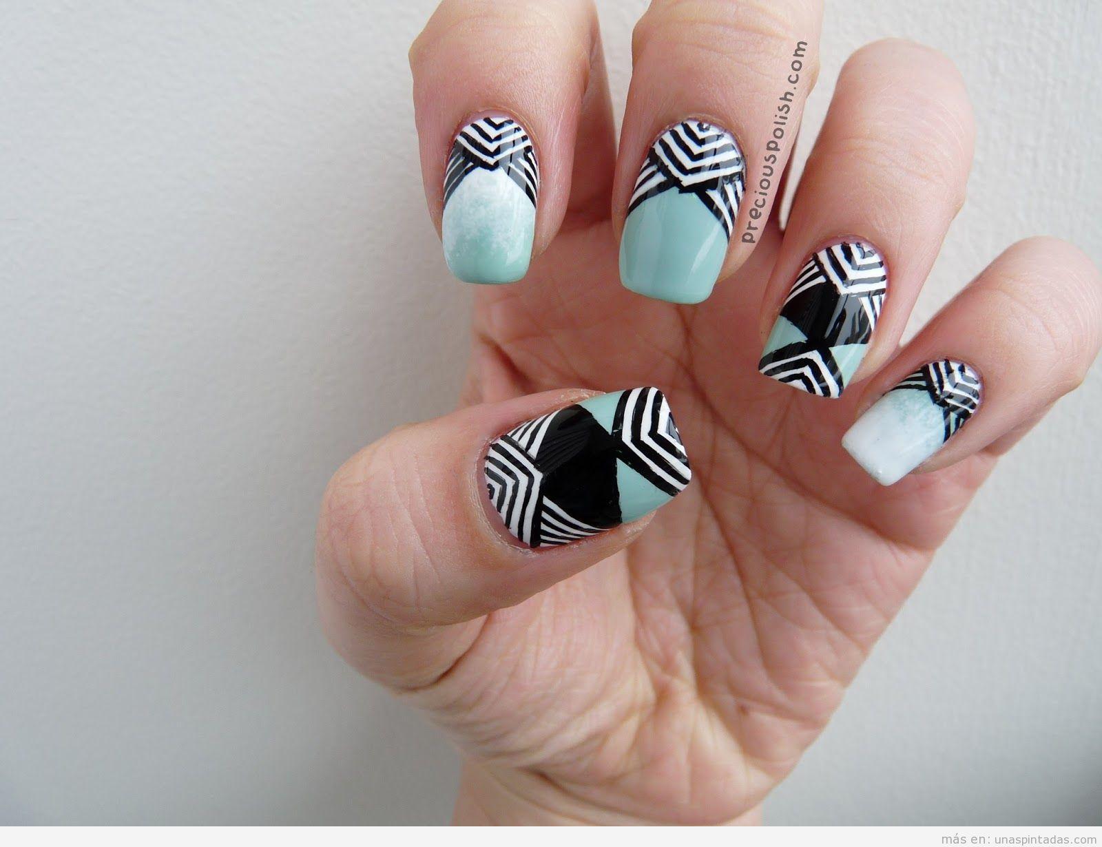Diseño uñas estampado geométrico