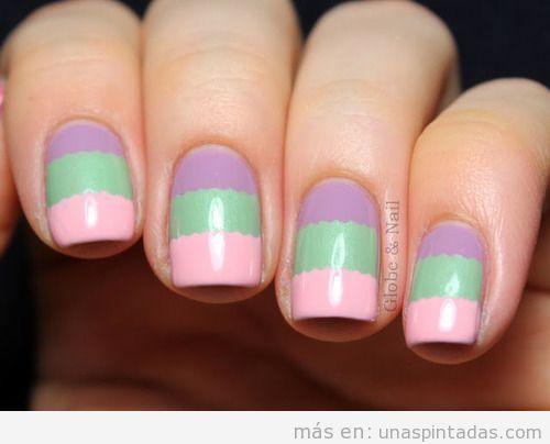 Decoración de uñas en lila, verde y rosa pastel para primavera