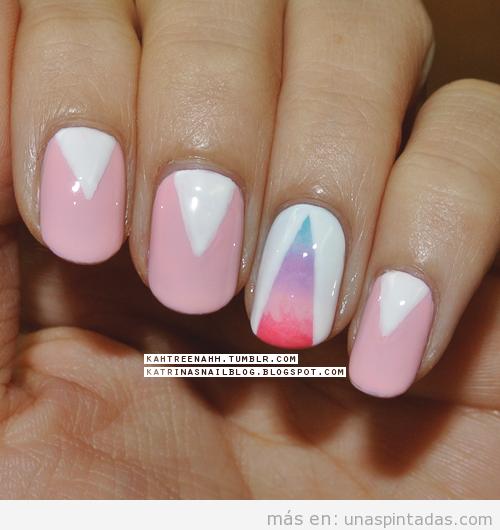 Manicura, decoración de uñas con triángulo degradado estilo hipster