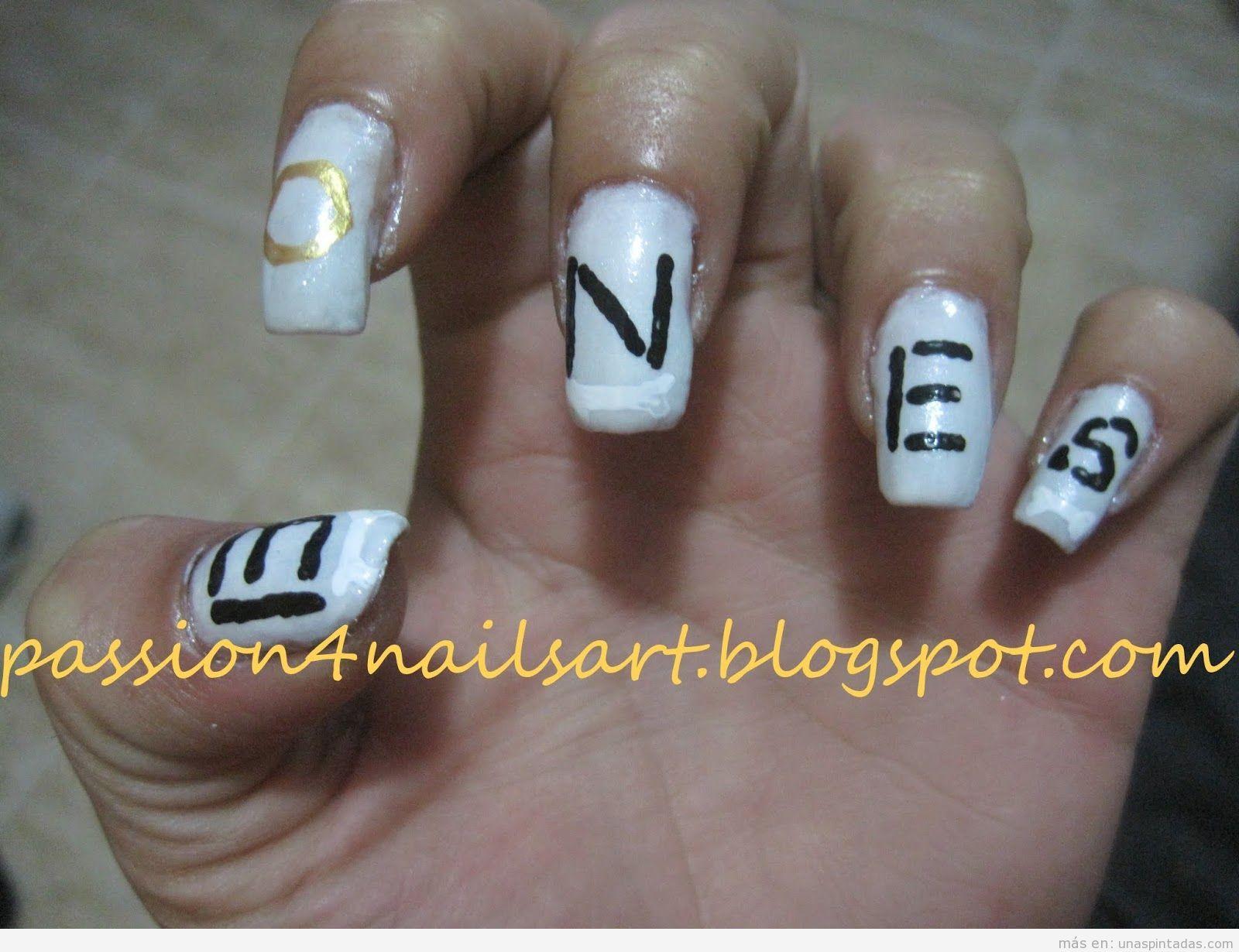 Diseño de uñas inspirado en la serie Bones