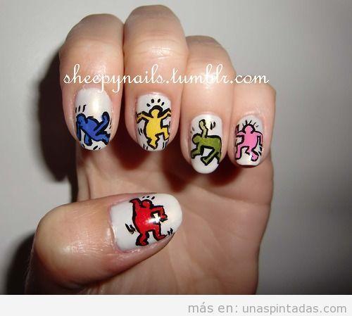 Diseño de uñas con dibujos Pop Art de Keith HAring