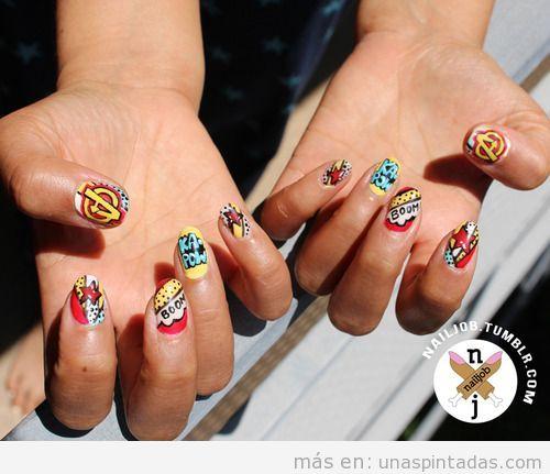 Diseño de uñas con motivos de viñetas de comic para ir a la Comic-Con