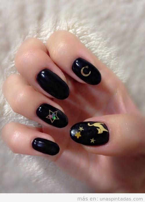 Uñas decoradas de Sailor Moon