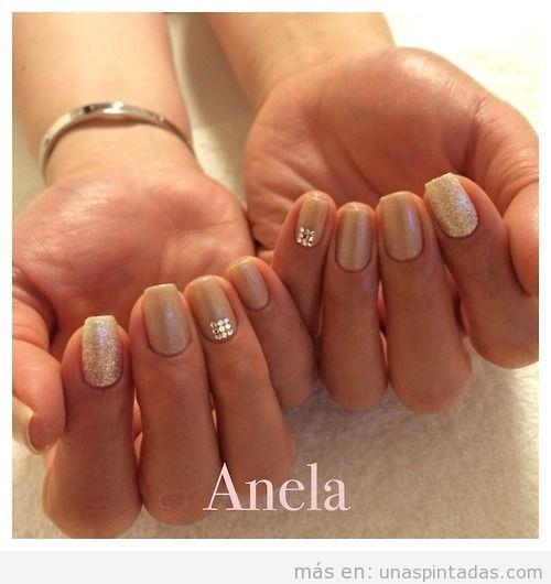 Idea Nail Art en dorado, elegante y sencillo para bodas
