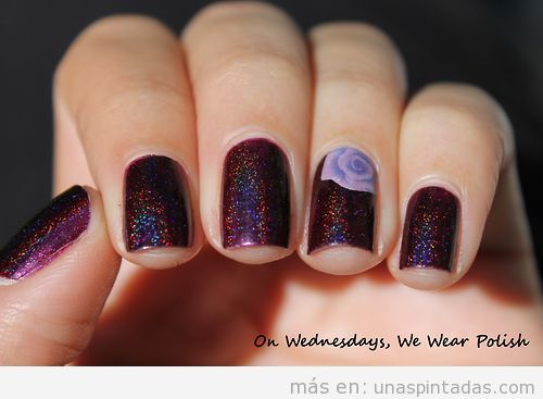 Diseño de uñas purpurina morada y rosa lila