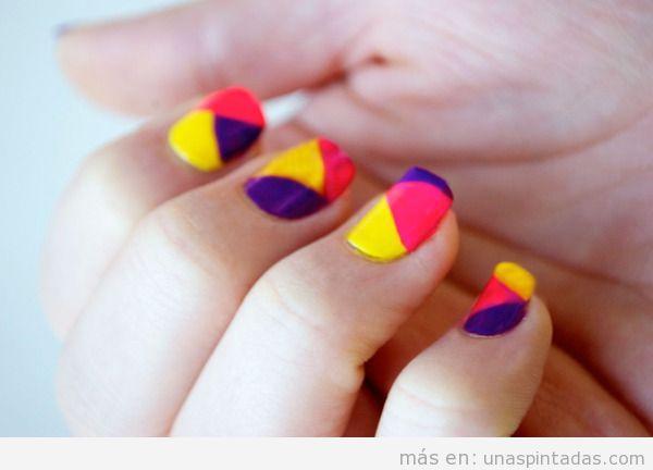 Tutorial para hacer un diseño de uñas estilo color block 2