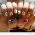 Diseño de uñas inspirado en el Scrabble, ¡nos encanta!