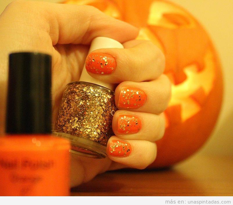 Decoración de uñas con colores otoñales y purpurina