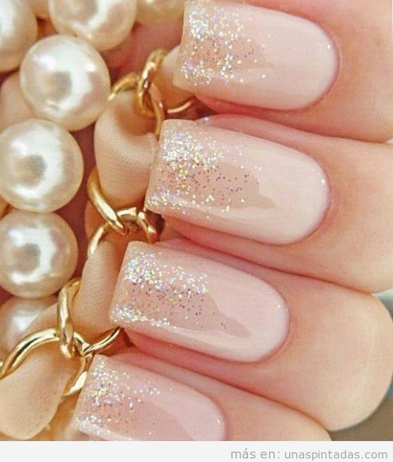15 Decoraciones de uñas para bodas con purpurina: ¡brillarás como nadie!