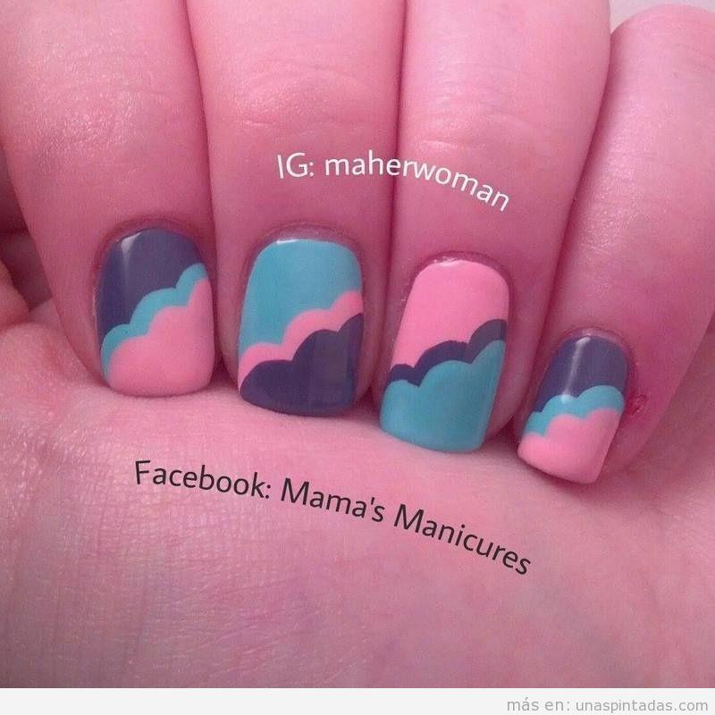 Decoración uñas con ondas y nubes