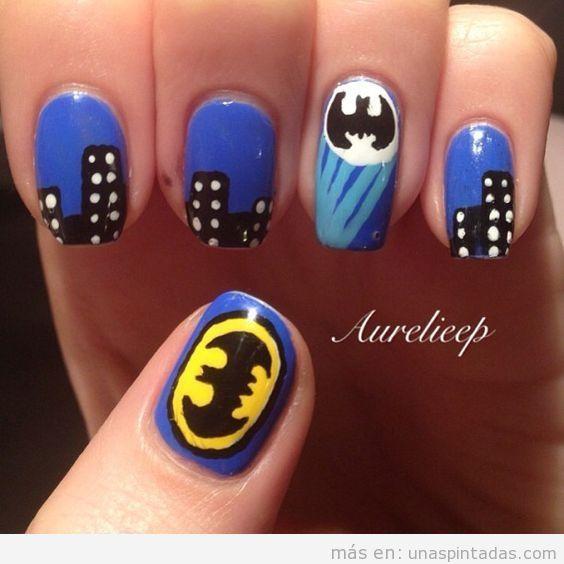 Uñas pintadas de Batman y Gotham