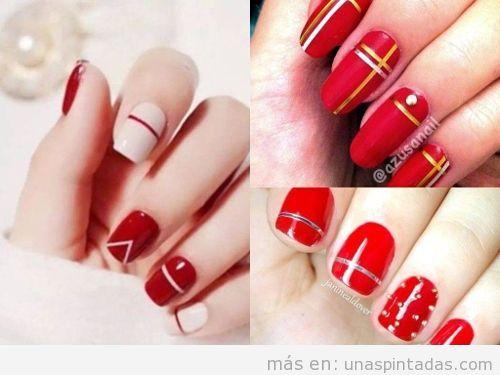 Uñas de rojo con rayas