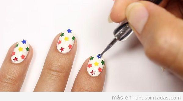 Decoración de uñas con estrellas 2