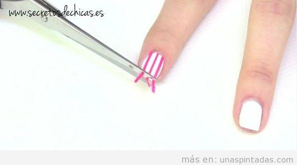 Tutorial uñas de rayas 2