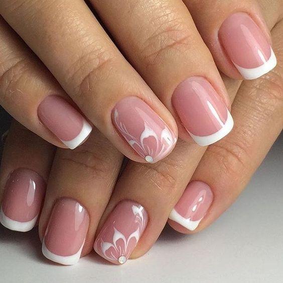 Decoración de uñas de gel francesas 9