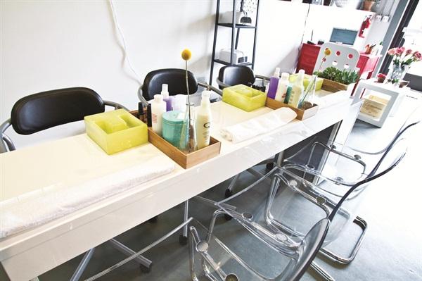 Mesa para estudio de manicura